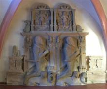 Grabmal der Seckendorffs in der evangelischen Kirche
